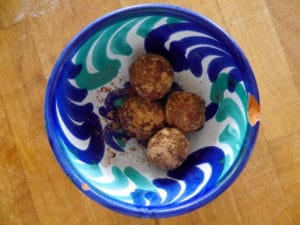 hemsley-healthy-sweets-tahini-bliss-balls-truffles-coconut-960x721