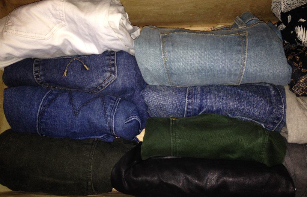 marie-kondo-folding-jeans-